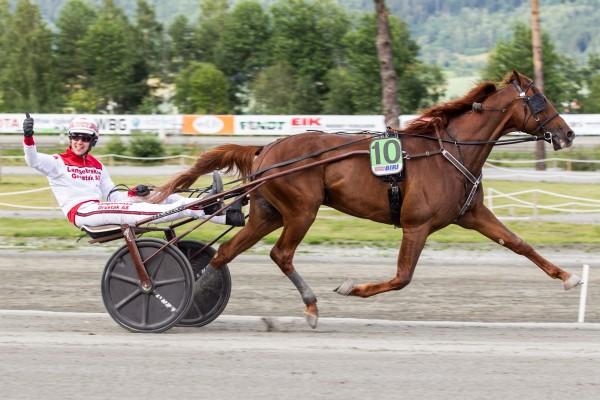 Lionel og Gøran Antonsen vinner NM på ny norsk rekord: 1.12,3am. Foto: Eirik Stenhaug/Equus