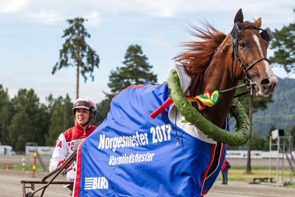 Lionel og Gøran Antonsen vinner NM på ny norsk rekord: 1.12,3am